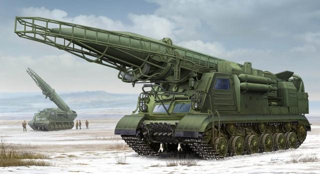 """パーツ数:750pcs・商品仕様:プラスチックモデルキット・材質:プラスチック他・パッケージサイズ(cm):47×30×11.5・サイズ:全長 366mm/全幅 101mm・商品説明:ソビエトが第二次大戦直後に開発着手し実用化した移動式戦域戦術ミサイルシステム""""2P19/R-17ロケットシステム """"が新金型で登場します。R17ミサイルを履帯式車体(ISU-152K改造型)に搭載しています。ソビエト連邦以外でも運用されています。製品は起倒式発射装置や車体部を精密なモールドとエッチングパーツを駆使して再現しています。車体部分もスライド金型を使用して、操縦席や複雑な発射シーケンス部分を追求しています。履帯は実感溢れる組立て式で再現されています。※本製品は輸入品のため発売時期が予告なく変更される場合がございますのでご了承ください。製品は2P19/R-17ロケットシステムが1両入りです。"""