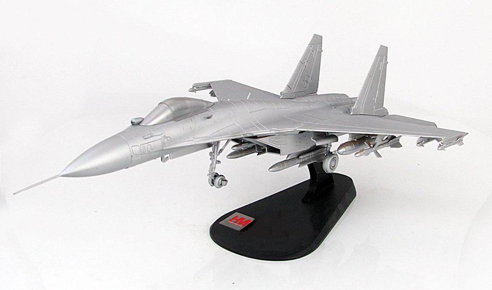 製品は飛行姿勢と駐機状態の再現が可能です。