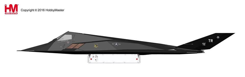 """HA5801 1/72 F-117 ナイトホーク """"砂漠の嵐作戦"""" ¥14,800(税抜価格)"""