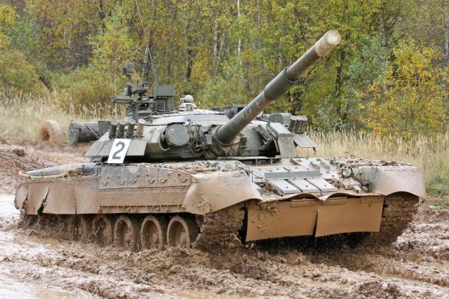 09525 1/35 ロシア連邦軍 T-80U主力戦車 ¥7,800(税抜価格)
